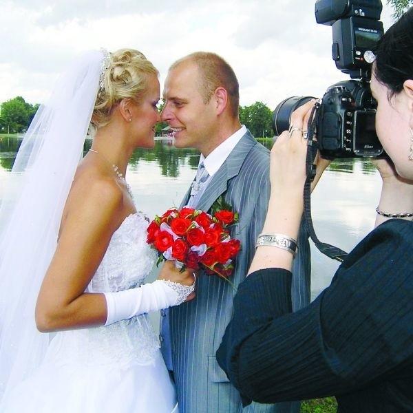 Liczba małżeństw zawieranych w Suwałkach wzrosła w 2007 roku o dwadzieścia