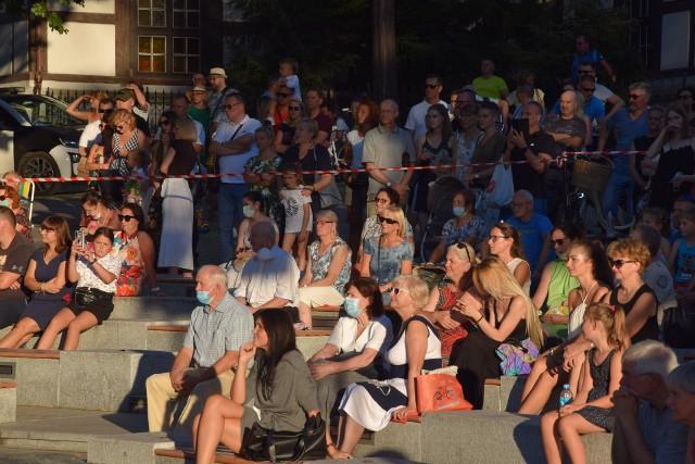 Koncert promenadowy na rozpoczęcie nowego sezonu artystycznego Filharmonii Zielonogórskiej - piątek, 21 sierpnia 2020. Królowały nastroje wiedeńskie