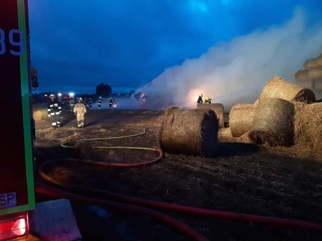 Z pożarem stogu w Komorowie 27 sierpnia 46 strażaków walczyło przez ponad 6 godzin. Gdyby nie czujność druhów z Nowych Świerczyn, prawdopodobnie musieliby gasić drugi taki duży pożar w pobliskim Jastrzębiu