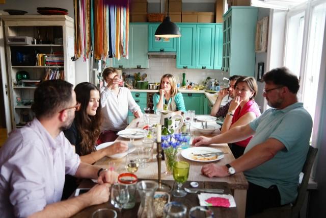 Z oferty korzystają często turyści, którzy chcą spróbować domowych posiłków i zobaczyć, jak mieszkają krakowianie