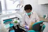 Boli Cię ząb? W Krakowie nie znajdziesz pomocy! Z nagłym bólem zęba trzeba jechać do Trzebunii