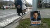 Plakaty wyborcze wciąż wiszą, a straż nie wystawia mandatów