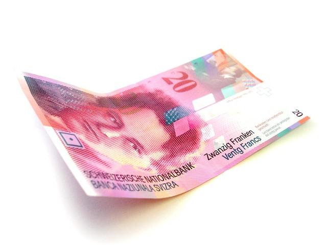 20 franków szwajcarskichSpready bez zmian, a raty walutowych kredytów hipotecznych niższe