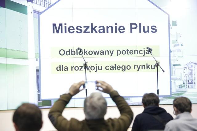 Mieszkanie PlusZanim ktoś zechce wnioskować o mieszkanie w ramach rządowego programu Mieszkanie Plus, może zorientować się, jaki zapłaciłby czynsz. To dzięki specjalnemu e-kalkulatorowi.