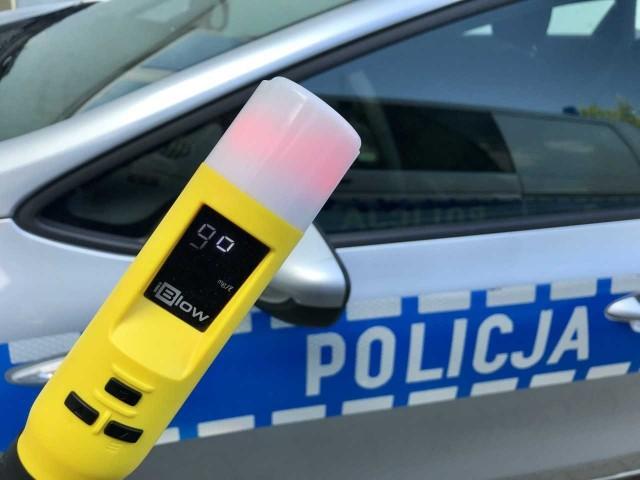 Nietrzeźwy kierujący zatrzymany przez słomnicką policjantkę miał pond 2 promile alkoholu w wydychanym powietrzu