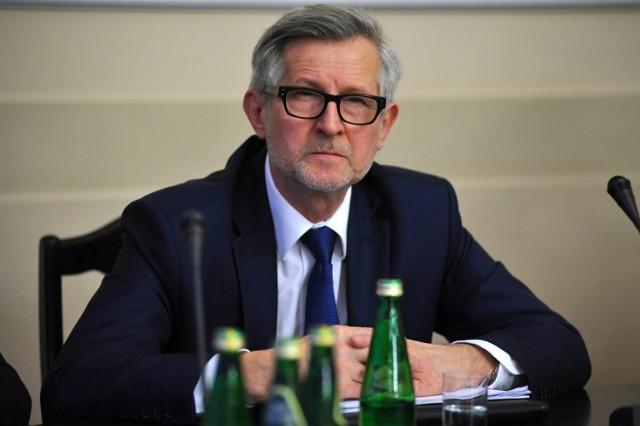 - Państwo powinno dać kobietom wybór - mówi Witold Czarnecki z PiS.