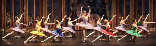 Tancerzy z Russian Classical Ballet Moscow zobaczymy w Koninskim Domu Kultury  24 marca, a w ich wykonaniu fragmenty najbardziej znanych baletów do muzyki Piotra Czajkowskiego i innych twórców