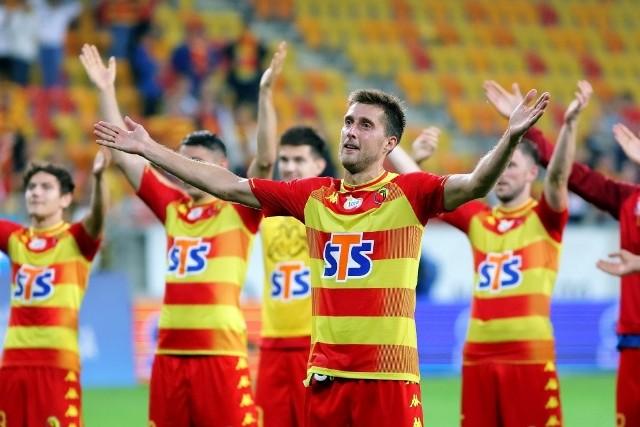 Kapitan Jagi Taras Romanczuk i jego koledzy zasłużyli w meczu z Rakowem na wysokie noty