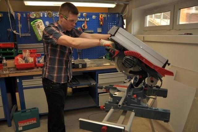 Prace nad łazikiem Next rozpoczęły się na początku roku akademickiego. Robota konstruuje sześciu studentów, m.in. Artur Milewski. Opiekunem drużyny jest dr Justyna Tołstoj - Sienkiewicz.