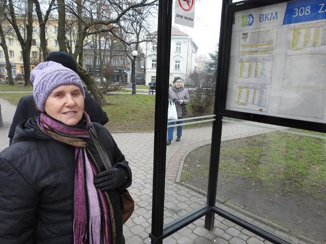Faktycznie, jeśli ktoś jest niższy to może mieć problem z odczytaniem - mówi Janina Kamińska, którą spotkaliśmy na przystanku przy ul. Malmeda.