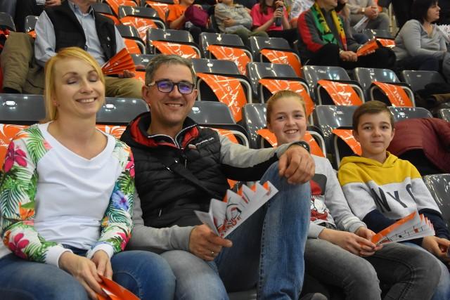 Fani w Jastrzębiu obejrzeli mecz, który toczył się pod dyktando ich ulubieńców.