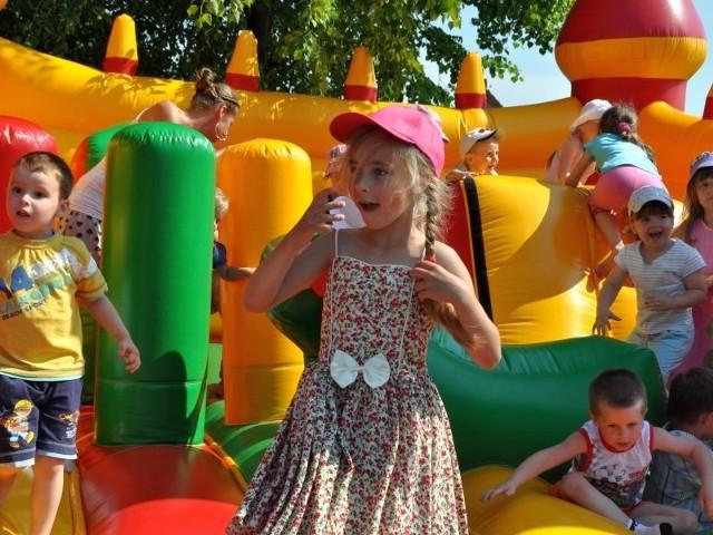 Dzieciom najbardziej spodobała się zabawa na dmuchanym zamku i trampolinie.