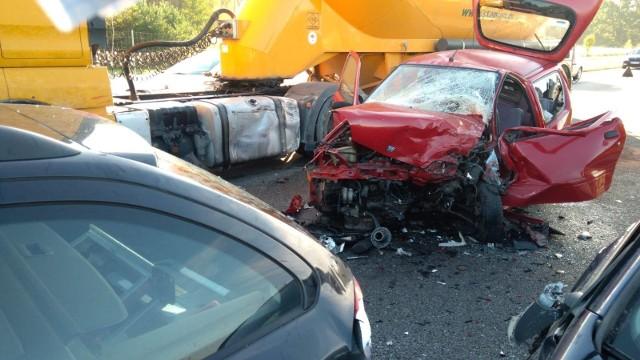 W wypadku ucierpiały cztery osoby, dwie przewieziono do szpitala.