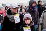 Poznań: Demonstracja przeciwko rasizmowi na placu Wolności [ZDJĘCIA, WIDEO]
