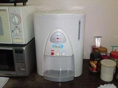 Domowy dystrybutor wodyDystrybutor wody coraz częściej w naszych domach