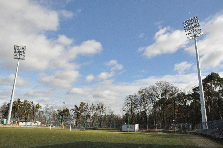 Stadion W Kluczborku Ma Oświetlenie Bardzo Drogie Wideo