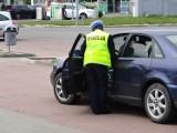 Masowe kontrole kierowców. Policjanci sprawdzają, czy mają zapięte pasy