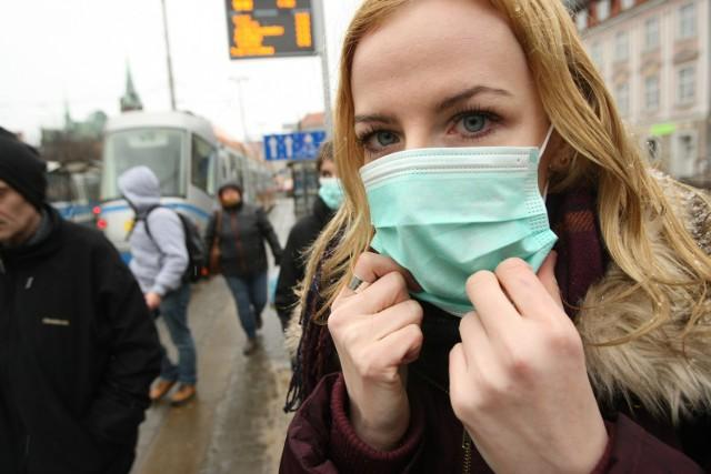 Świńska grypa coraz groźniejsza. Szczyt zachorowań dopiro przed nami. Liczba zarażonych wirusem świńskiej grypy rośnie