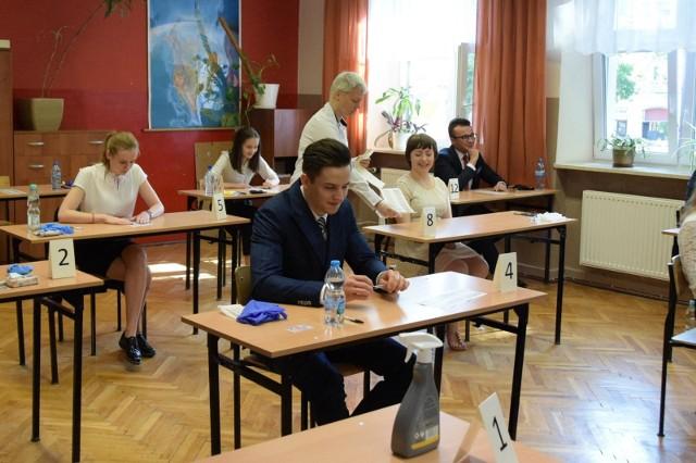 Tegoroczni maturzyści od 3 marca powrócą do szkolnych ławek, aby zmierzyć się z próbnym egzaminem dojrzałości. Dwa tygodnie po nich przetestują się ósmoklasiści