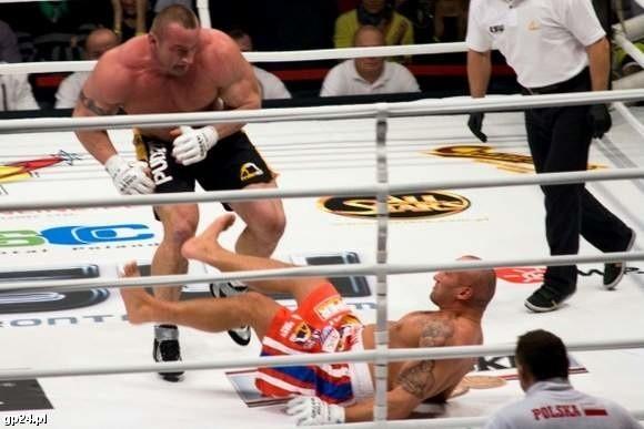 Mariusz Pudzianowski nie dał żadnych szans przeciwnikowi i rozgromił Marcina Najmana w 44 sekundzie.