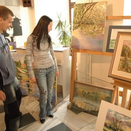 Owoce wspólnych działań artystów, podejmowanych na szlaku po obu stronach granicy, można podziwiać w galerii Ratusz
