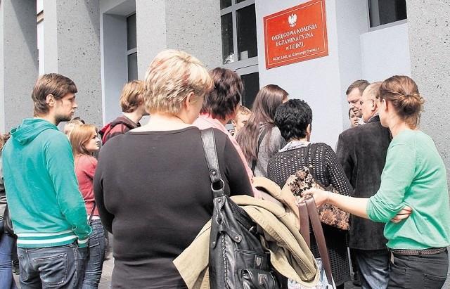 Upłynął termin przyjmowania zgłoszeń w konkursie na nowego dyrektora Okręgowej Komisji Egzaminacyjnej w Łodzi, czyli instytucji która odpowiada w naszym regionie za organizację państwowych sprawdzianów - w tym matury. Jak będzie wyglądał ten wybór?