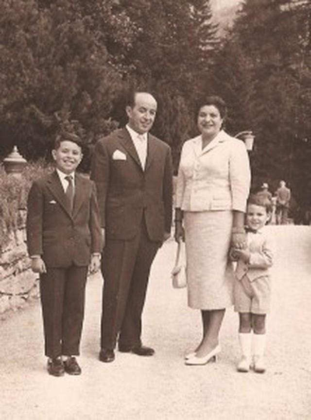 Henoch Majteles z rodziną w Monachium około 1957 r.  Członków tej żydowskiej rodziny skalanie ukrywali w czasie okupacji