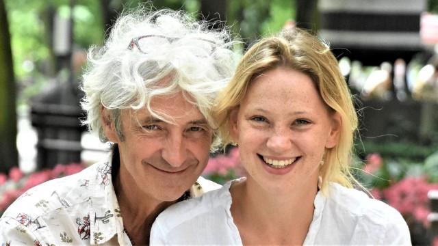 Alicja Stasiewicz i jej mąż Lech Mackiewicz to para aktorów znana ze sceny Lubuskiego Teatru w Zielonej Górze, gdzie także reżyserują spektakle