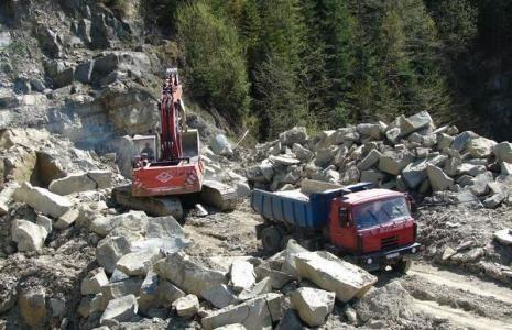 Niepokój w Kieleckich Kopalniach Surowców Mineralnych. Załoga boi się utraty miejsc pracy
