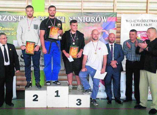 Paweł Zimnoch z Sumo Koluchstyl Białystok na najwyższym stopniu podium