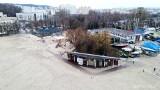 Wymiana kładek pieszych na plaży miejskiej w Gdyni dobiegła końca. Nowe kosztowały ponad milion złotych