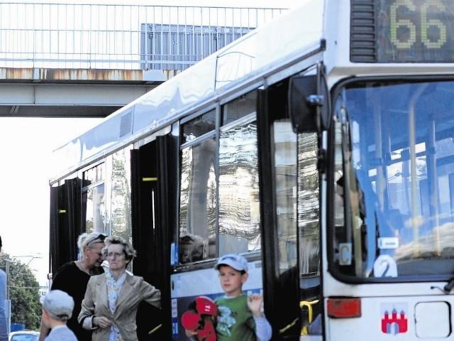 Kierowcy skarżą się, że na linii nr 66 nie mają czasu, żeby nawet wyjść z autobusu i się załatwić. Chcą zmian w rozkładach jazdy