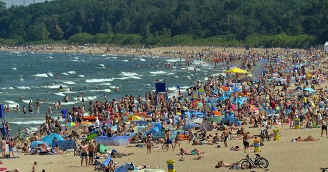 Kolonie nad morzem - to dla wielu dzieci wymarzone wakacje. Zanim wyślemy dzieci na taką formę wypoczynku, warto sprawdzić, czy organizator zadbał o odpowiednie warunki pobytu i bezpieczeństwo podopiecznych