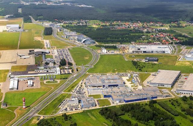 W Podkarpackim Parku Naukowo-Technologicznym Aeropolis, w pobliżu Portu Lotniczego Rzeszów - Jasionka,  działa ponad 50 firm, w których pracuje prawie 7 tysięcy ludzi