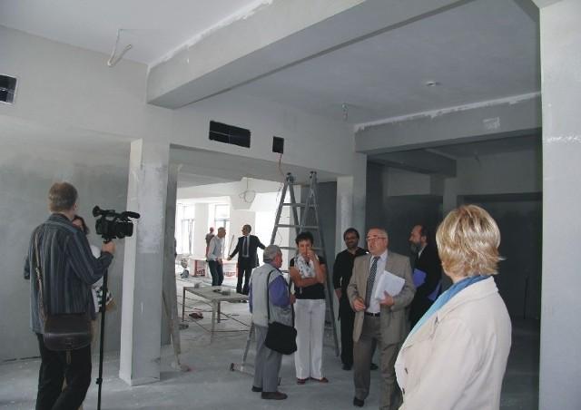 - Do tych budynków zostanie przeniesiona Przemyska Biblioteka Publiczna. Będzie jedną z najnowocześniejszych w regionie bibliotek – mówi Robert Choma, prezydent Przemyśla.