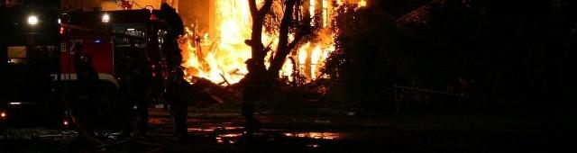 Spłonął mężczyzna w pożarze drewnianego domu