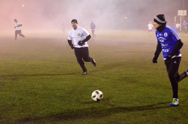 Na boisku Gryfu Mielec rozegrano tradycyjny Mecz Wigilijny pomiędzy piłkarzami Stali Mielec a kibicami. Na boisku lepsi okazali się piłkarze, którzy wygrali 14:4.