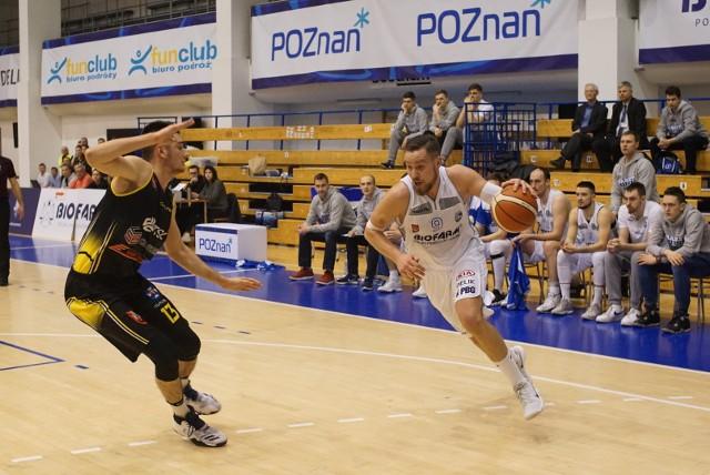 Jednym z ojców sobotniego zwycięstwa Biofarmu Basket Poznań nad Sokołem Łańcut był Filip Struski (z prawej)