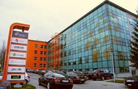 W Kielcach budują trzy wielkie hale przemysłowe!
