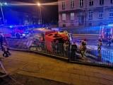 Wypadek na ulicy Tuwima w Słupsku. Samochód osobowy uderzył w wóz strażacki [ZDJĘCIA, WIDEO]