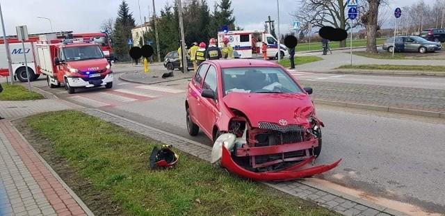 Przasnysz. Wypadek na skrzyżowaniu Baranowskiej z Al. Jana Pawła. Zderzyły się trzy samochody osobowe, 4.02.2020