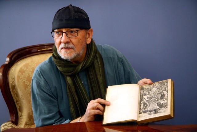 Janusz Zalewski przez lata wyszukiwał cenne tomy. Zakupy sfinansowali jego bracia
