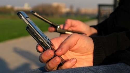 W czasie największego ruchu w konkursie Ery, trzeba było wysyłać około 10-15 tys. sms-ów tygodniowo. To około 120 wiadomości na godzinę. I tak przez 18 godzin dziennie.