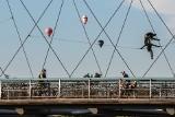 """Mnóstwo balonów nad Krakowem. Świętowanie """"otwarcia"""" nieba [ZDJĘCIA]"""