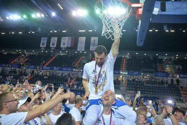 Kamil Łączyński w 2019 roku świętował mistrzostwa Polski z Anwilem