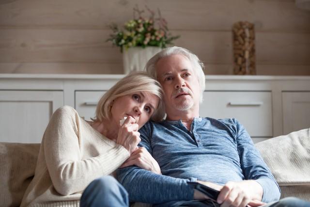 Jeżeli osoby zamknięte w mieszkaniach zaczynają zastanawiać się, czy mogą dalej być ze sobą, to znaczy, że taka myśl kiełkowała w nich wcześniej - odpowiada psycholog. - Gdzieś ta relacja intymności w nich umknęła
