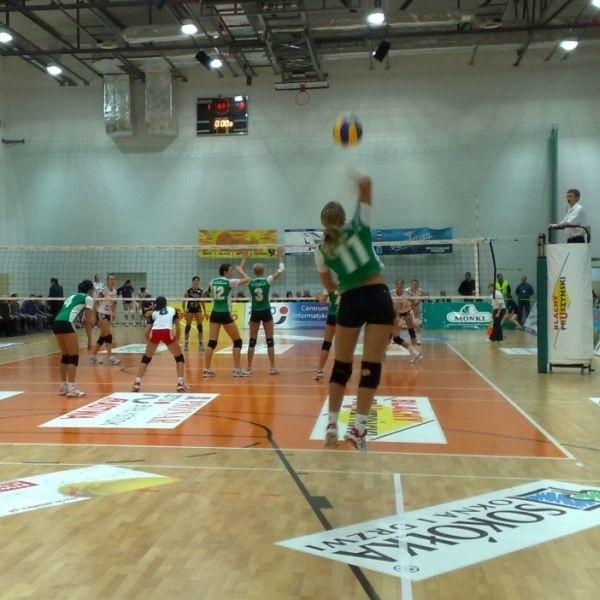 Zagrywa, nowa rozgrywająca AZS-u Bialystok Czeszka Lucie Muhlsteinova