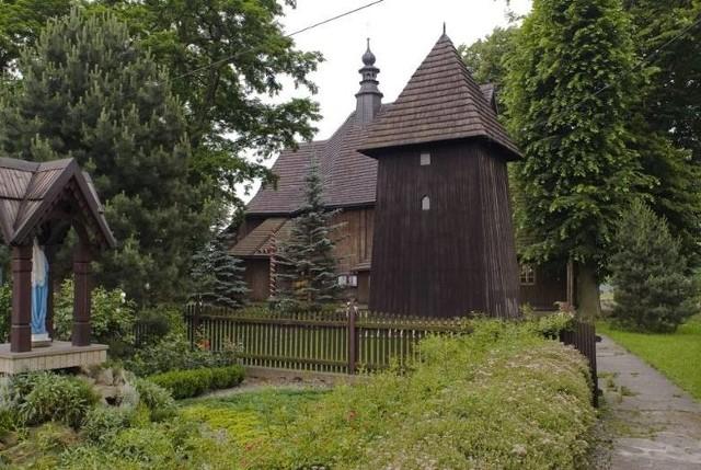 XVIII-wieczny drewniany kościół Wniebowzięcia NMP w Grabiu