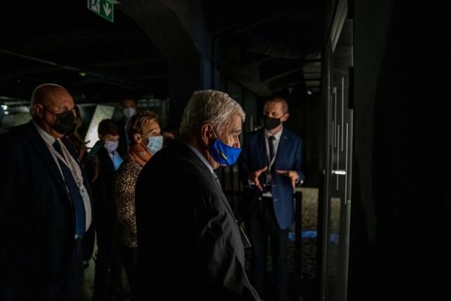 Muzeum Pamięci Sybiru zostało dziś uroczyście otwarte. Po części oficjalnej dziejącej się na dziedzińcu instytucji, przyszła kolej na zwiedzanie wystawy stałej z przewodnikiem.
