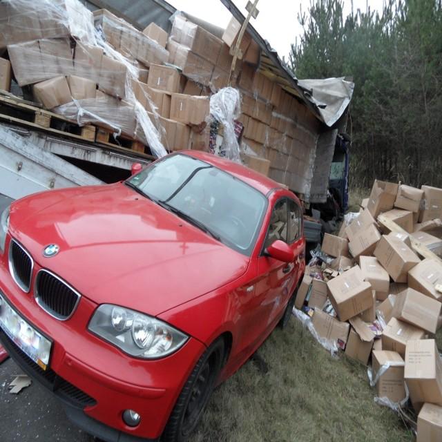 Wypadek na obwodnicy Lublińca: Dwa auta w rowie